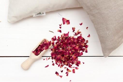 Poduszka gryczana z płatkami róży NA POPRAWĘ NASTROJU