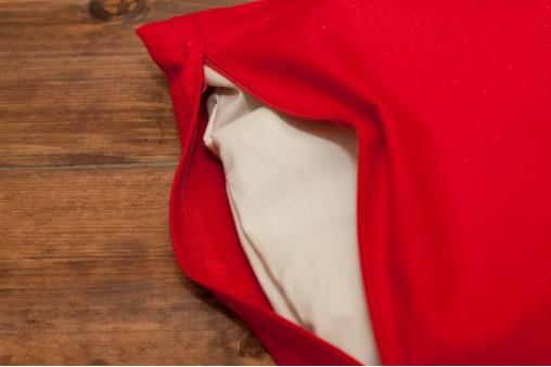 Czerwona bawełniana poszewka na poduszkę